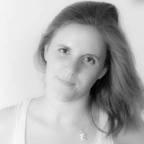 Clevermate soutien à domicile - professeur Charlotte donne cours particuliers de Anglais,Économie,Histoire-Géographie,Préparation brevet,Préparation bac,Aide aux devoirs