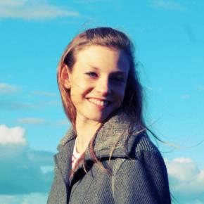 Clevermate soutien à domicile - professeur Joy donne cours particuliers de Français-Philosophie,Anglais,Méthodologie,Histoire-Géographie,Préparation Concours,Préparation brevet,Préparation bac,Aide aux devoirs